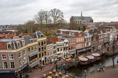 Oude binnenstad Leiden bij Nieuwe Rijn