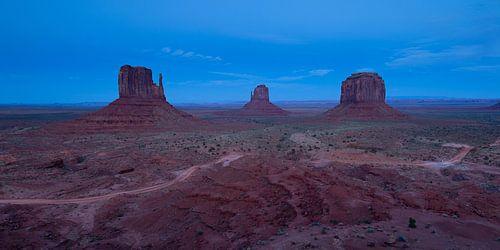 Blauwe uurtje bij Monument Valley van
