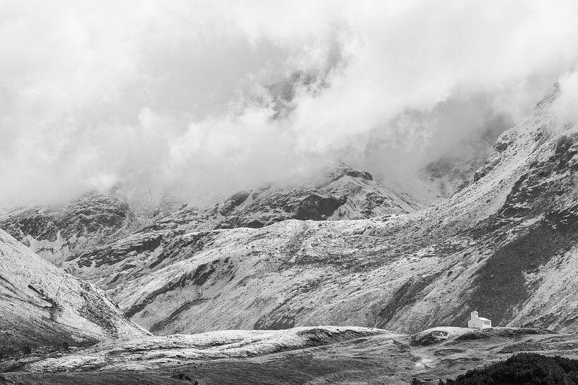 Silvretta hochalpenstrasse in Oostenrijk in zwart-wit van Damien Franscoise