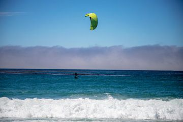 Kitesurfen  Carmel-by-the-Sea van Ton Tolboom