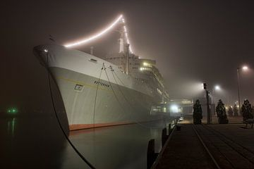 Mist bij SS Rotterdam van Charlene van Koesveld