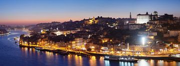 Porto bei Nacht, Portugal von Markus Lange