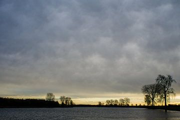 zonsopgang boven de maas von mick agterberg