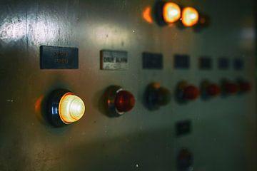verlichtingsbord in een oud gebouw van Greet Thijs