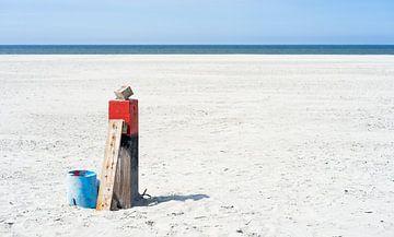 Strandpaal op Terschelling met idyllische rustig landschap! van Jeroen Somers