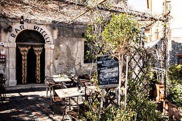 Bar Vitelli in Savoca (aus dem Paten) von Eric van Nieuwland