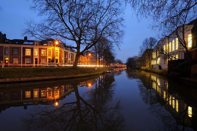 Weerdsingel Oostzijde en achterzijde Gezondheidscentrum Binnenstad in Utrecht van Donker Utrecht
