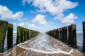 Vloed aan het Domburgse strand van Marianne Rouwendal