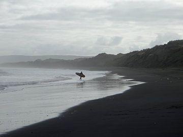 Nieuw Zeeland - Surfer von Maurice Weststrate