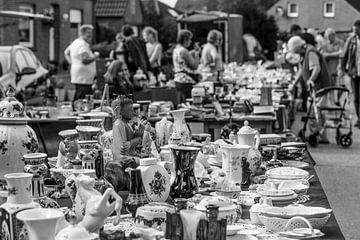 Auf dem Flohmarkt van Rolf Pötsch