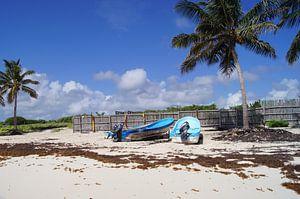 Boten op het strand op Cozumel
