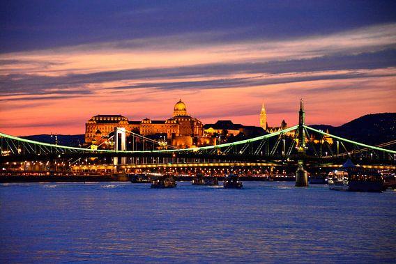 Images of Budapest II van Bert Vester