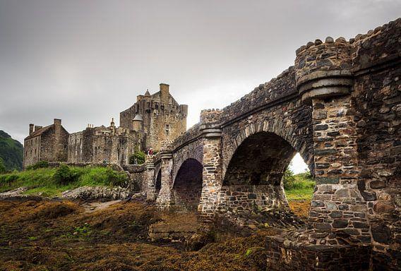Eilean Donan (Dornie) Castle and bridge van Luis Fernando Valdés Villarreal Boullosa