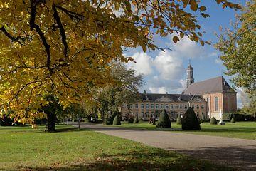 Château Houthem Sint-Gerlach in de herfst van Ton Reijnaerdts
