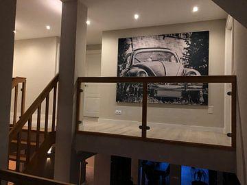 Kundenfoto: Schwarz-weiß Fotografie eines VW Käfers von Edith Albuschat
