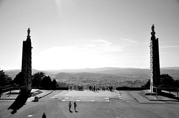 On the Edge / Portugal van Sabrina Varao Carreiro