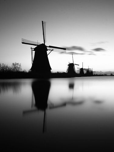 Molens in Kinderdijk b/w