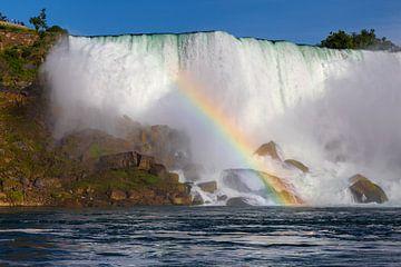 Regenbogen vor den Niagarafällen  von Tom Uhlenberg