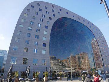 Reflectie in de Markthal Rotterdam von Sarith Havenaar