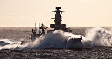 Fregat in de golven - part III van Alex Hiemstra