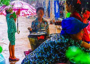 'Cooking in the monsoon rain' van