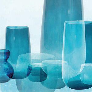 Vasen und Schalen, mediterranes Glas in transparenten Blautönen