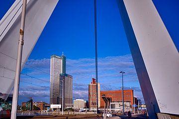 Erasmusbrug en Kopvan Zuid, Rotterdam. von George Ino