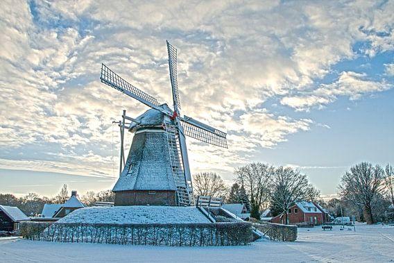 Molen in de winter van Gert Hilbink