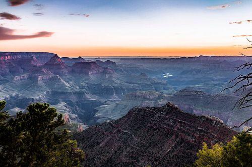 Grand Canyon net voordat de zon opkomt