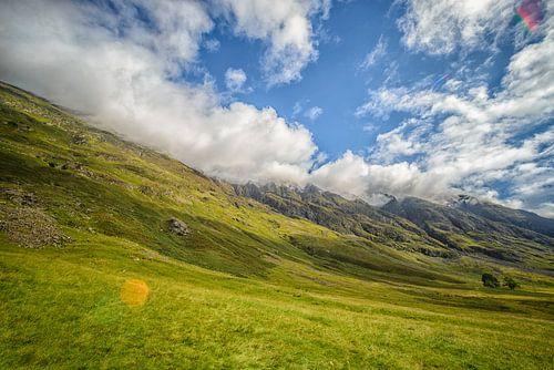 Zicht op de bergen in Glen Coe van
