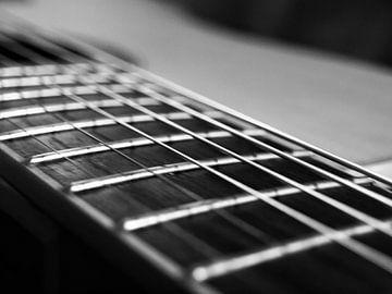 Nahaufnahme des Halses einer Gitarre von Martijn Wit
