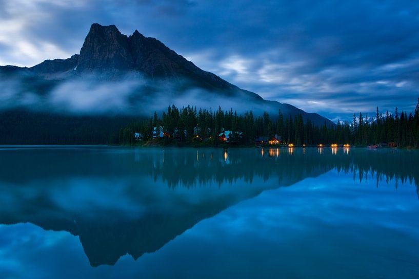 Emerald Lake at sunrise van Henk Meijer Photography