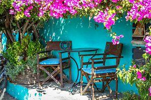 Ein typisch griechischer Sitzplatz in Urlaubsatmosphäre