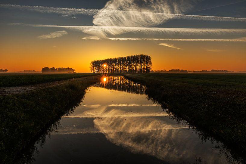 Zonsopkomst Noordoostpolder van Martien Hoogebeen Fotografie