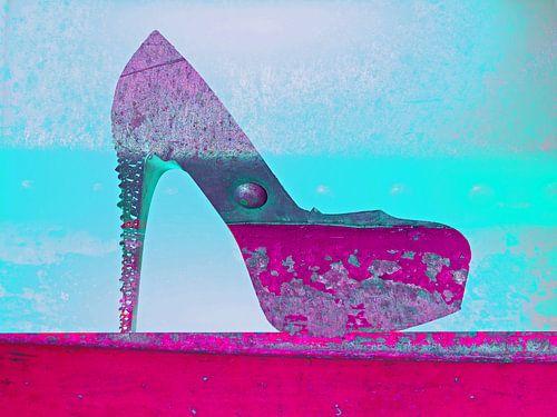 The pink shoe  van Gabi Hampe