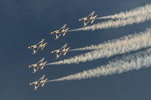 De Thunderbirds van de U.S. Air Force in een mooie formatie tijdens de Aviation Nation Airshow op Ne