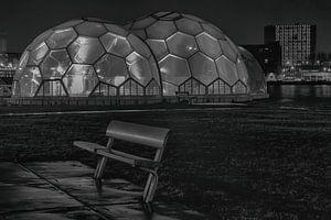 Drijvend paviljoen Rotterdam zwartwit