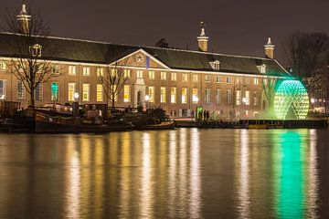 Hermitage Amsterdam in de avond van Annemieke Storm