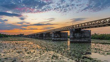 verlassene Brücke von John van den Heuvel