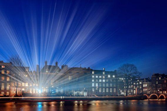 lichtstralen langs de Amstel