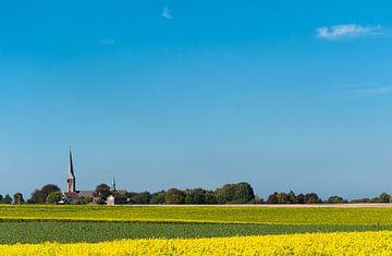 Landschap met kerk van Schimmert von Leo Langen