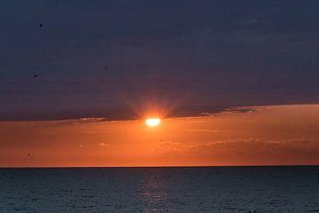 ondergaande zon in Zeeland  von Maaike Krimpenfort