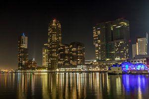 Skyline Rotterdam by night van