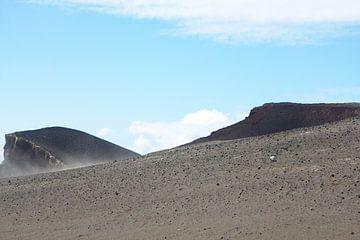 Steile lava heuvel