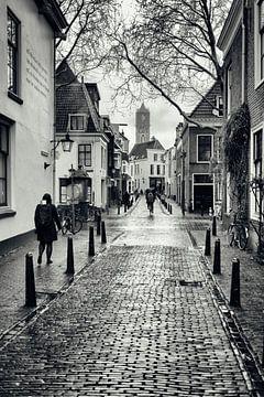Straatfotografie in Utrecht. Korte Lauwerstraat in Utrecht met zicht op de Domtoren.  (Utrecht2019@4 van De Utrechtse Grachten