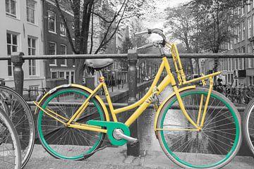 Geelgroene fiets van Peter Bartelings Photography