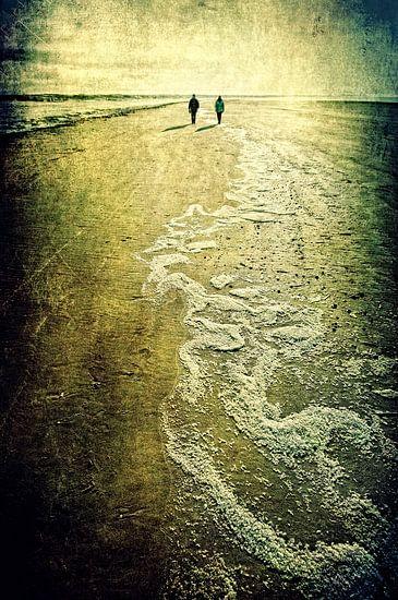 On The Beach van Ruud van den Berg
