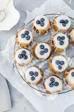 Teacakes met blauwe bessen & amandelen van