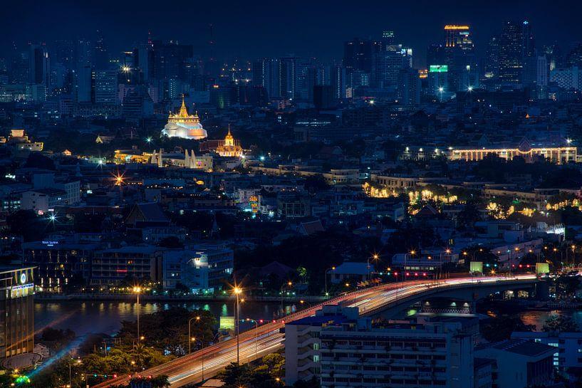 Weg naar Wat Saket tempel in Bangkok van Jelle Dobma