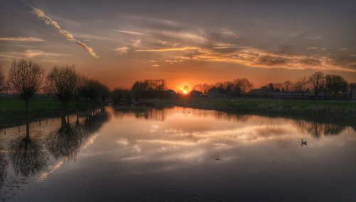 Zonsondergang bij de Linge